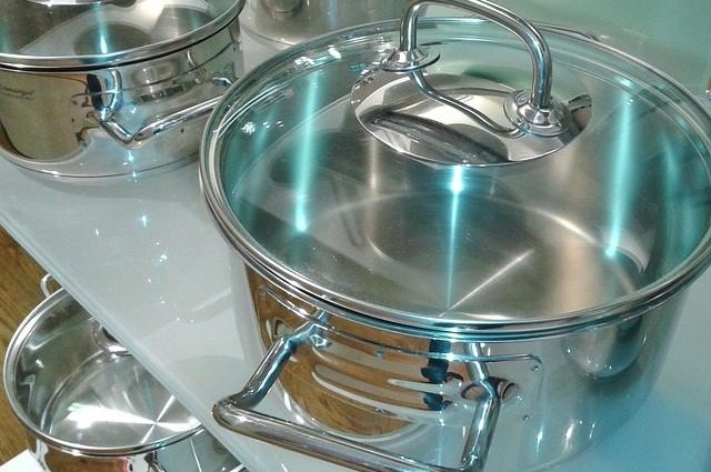 Stainless Steel Pot with flat, even bottom
