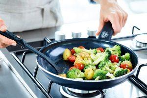 Ceramic cookware Retains heat better